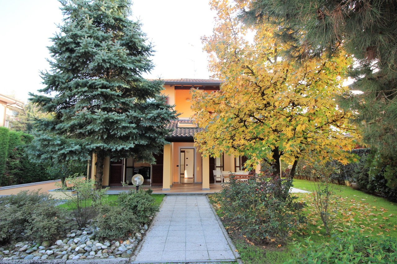 Villa in ottime condizioni in vendita Rif. 8368369