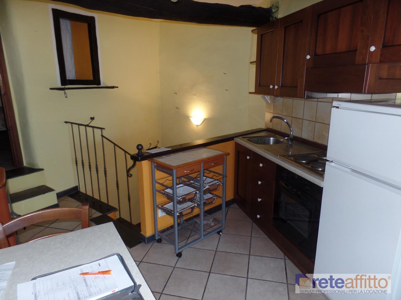 Casa indipendente in affitto a Chiusanico (IM)