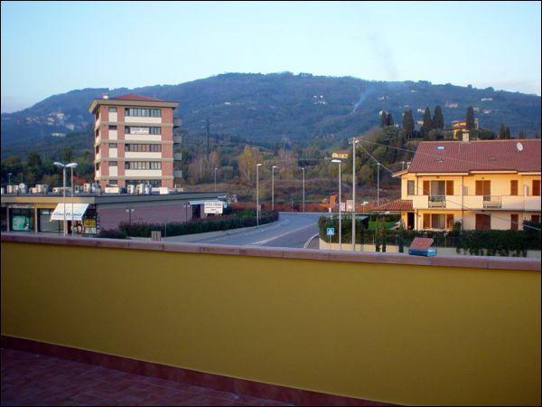 Appartamento in vendita a Uzzano, 3 locali, prezzo € 182.000   CambioCasa.it