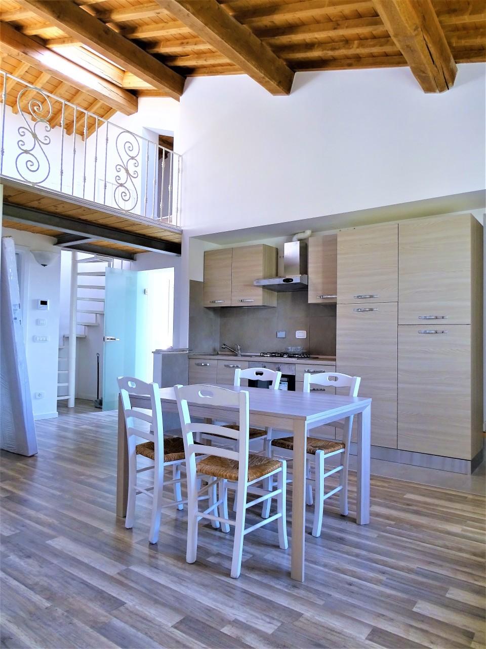 Appartamento in affitto a Pontedera, 5 locali, prezzo € 700   CambioCasa.it