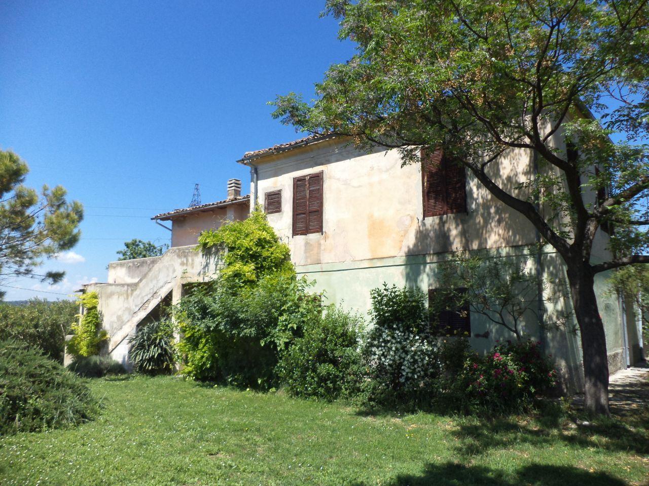 Villa in vendita a Manoppello, 10 locali, prezzo € 195.000 | PortaleAgenzieImmobiliari.it