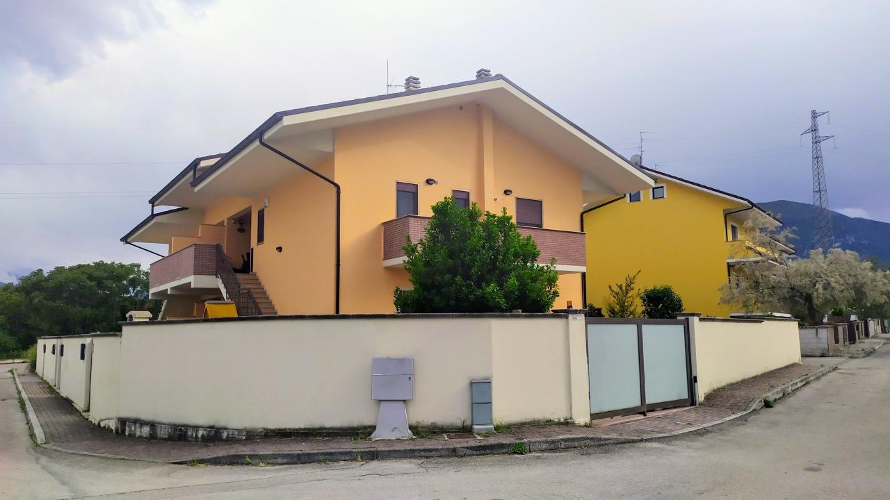 Appartamento in vendita a Torre De' Passeri, 6 locali, prezzo € 160.000 | PortaleAgenzieImmobiliari.it