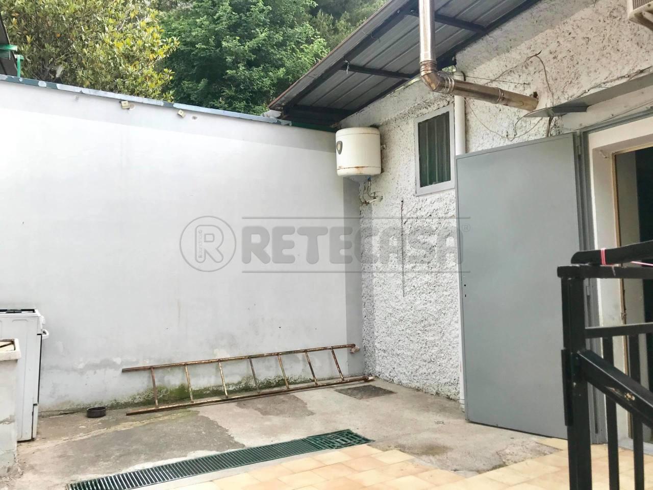 Bilocale in buone condizioni in affitto Rif. 9431278