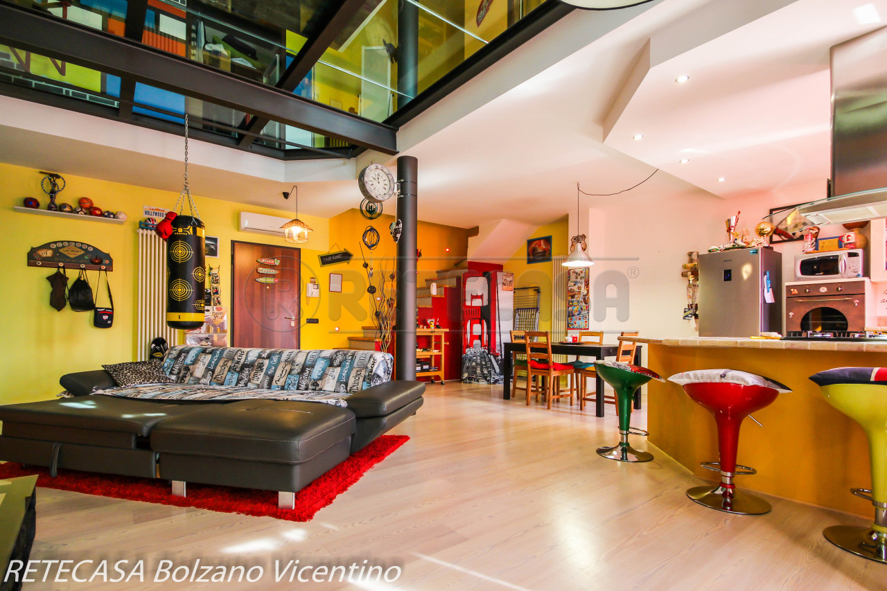 Appartamento in ottime condizioni in vendita Rif. 8149429