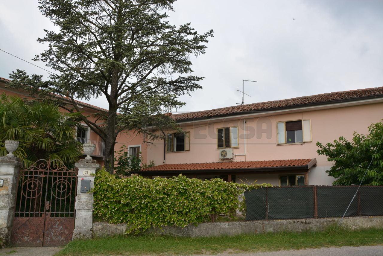 Soluzione Indipendente in vendita a Palmanova, 6 locali, prezzo € 118.000 | CambioCasa.it