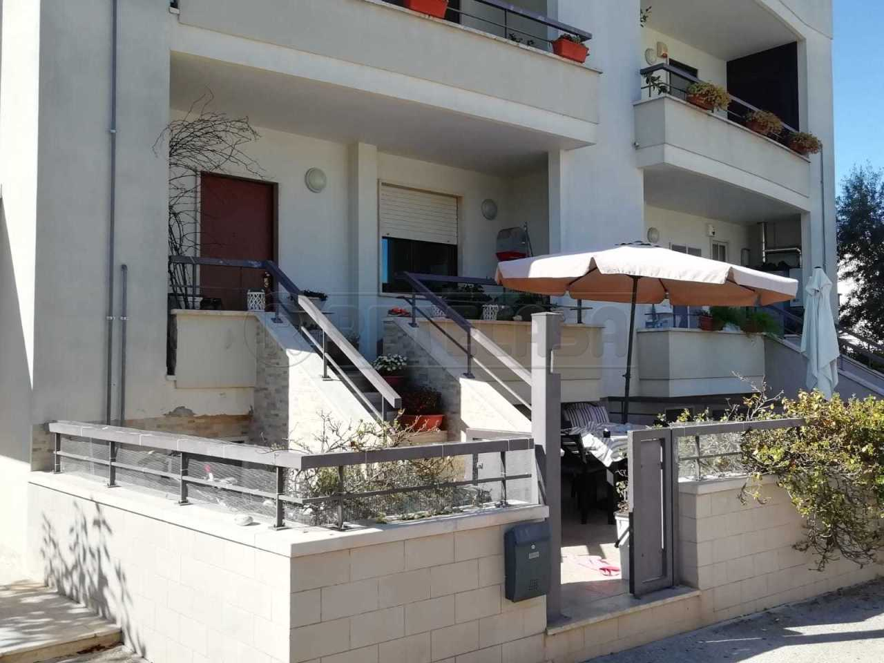 Soluzione Indipendente in vendita a Alberobello, 3 locali, prezzo € 240.000   CambioCasa.it