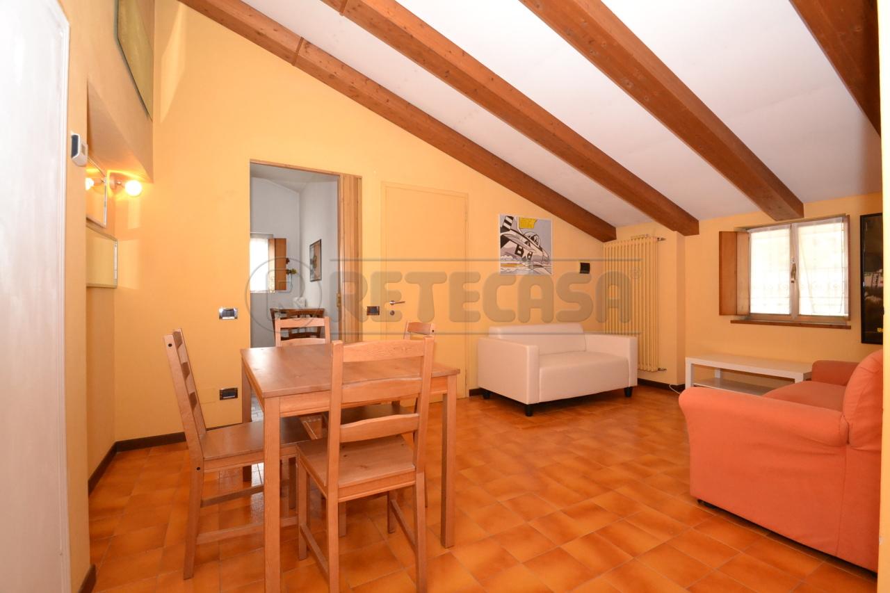 Appartamento in ottime condizioni arredato in affitto Rif. 7923871