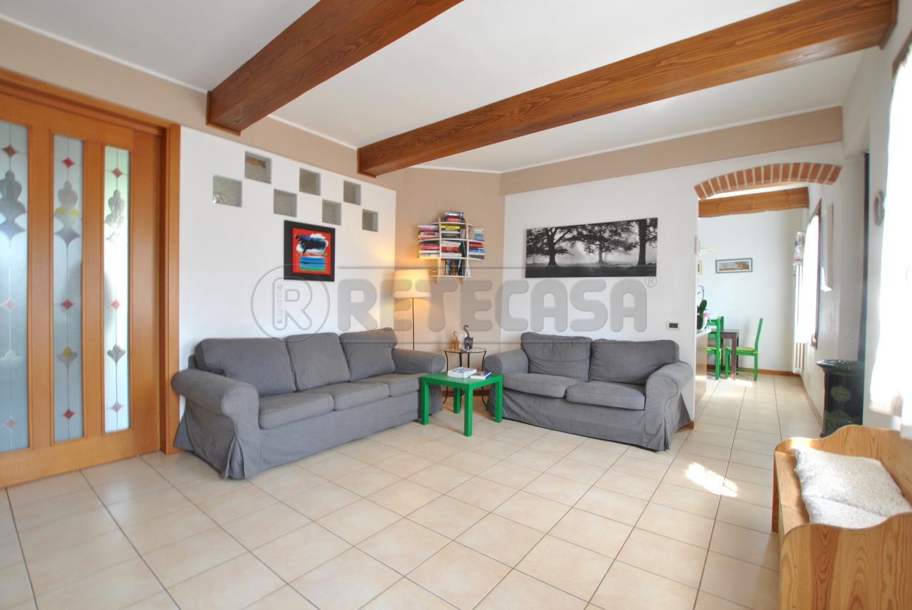 Appartamento in vendita a Valdagno, 6 locali, prezzo € 95.000 | PortaleAgenzieImmobiliari.it