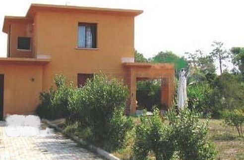 Villetta a schiera in buone condizioni in vendita Rif. 10287662