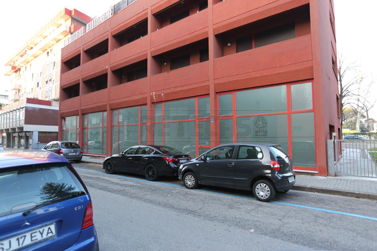 Ufficio / Studio in vendita a Udine, 8 locali, prezzo € 285.000   CambioCasa.it