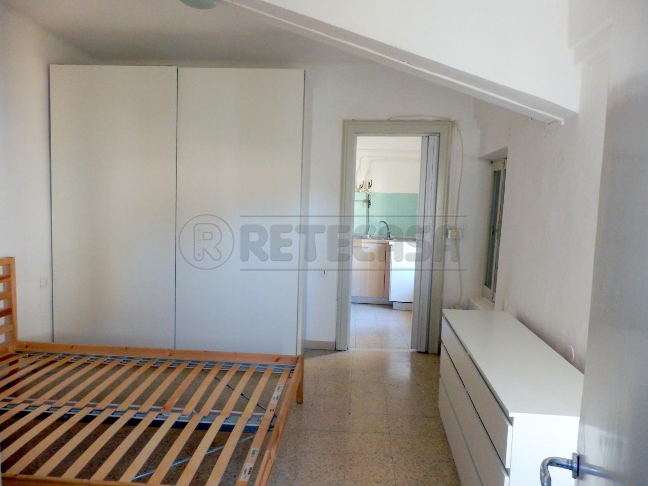 Appartamento in affitto a Mantova, 2 locali, prezzo € 350 | CambioCasa.it
