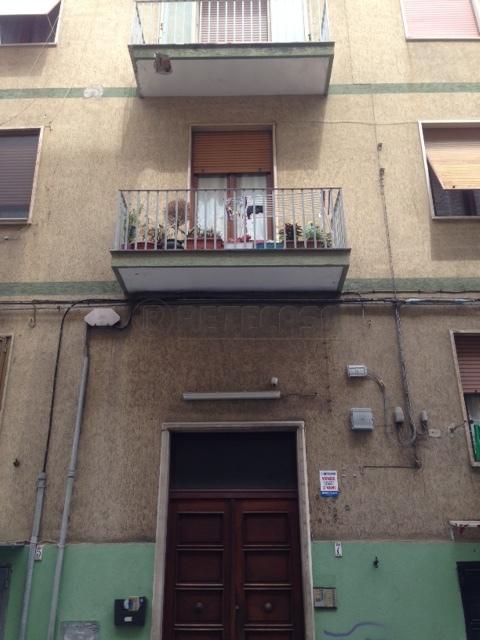 Appartamento in discrete condizioni in vendita Rif. 8858860