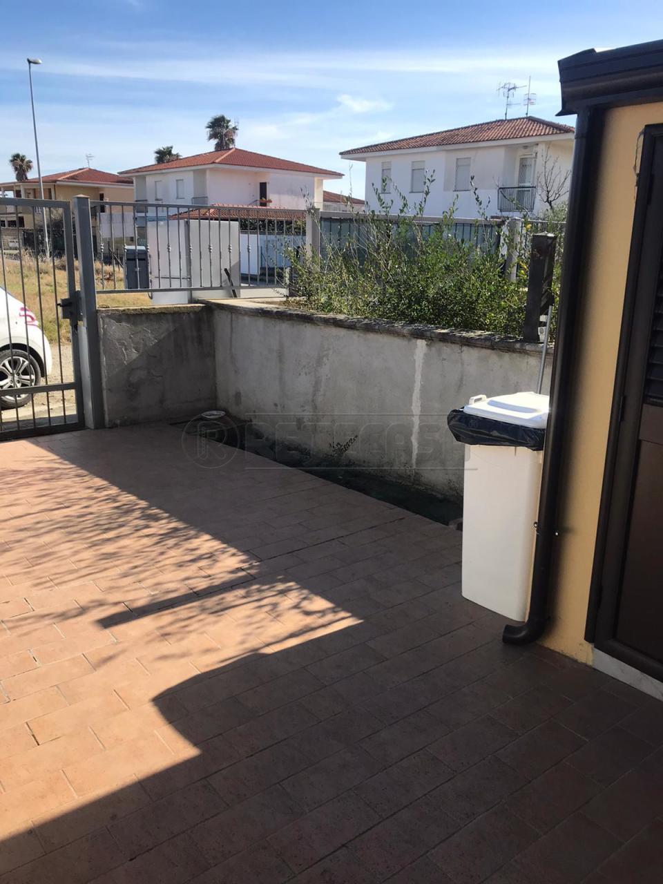 Appartamento in vendita a Cropani, 3 locali, prezzo € 70.000 | CambioCasa.it