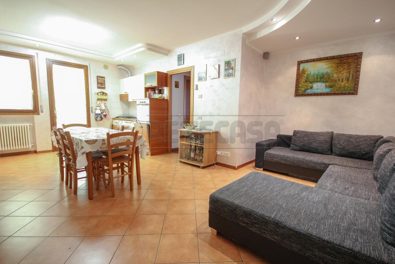 Appartamento in vendita a Camisano Vicentino, 3 locali, prezzo € 120.000 | PortaleAgenzieImmobiliari.it