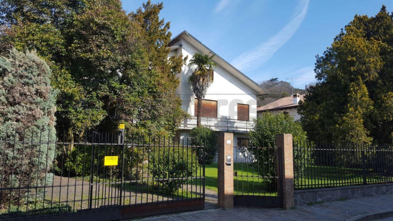 Villa in Vendita a Montebello Vicentino