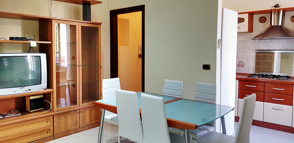 Appartamento da ristrutturare in vendita Rif. 10702137