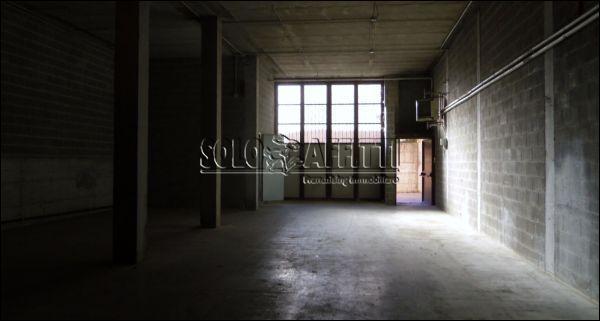 interno capannone