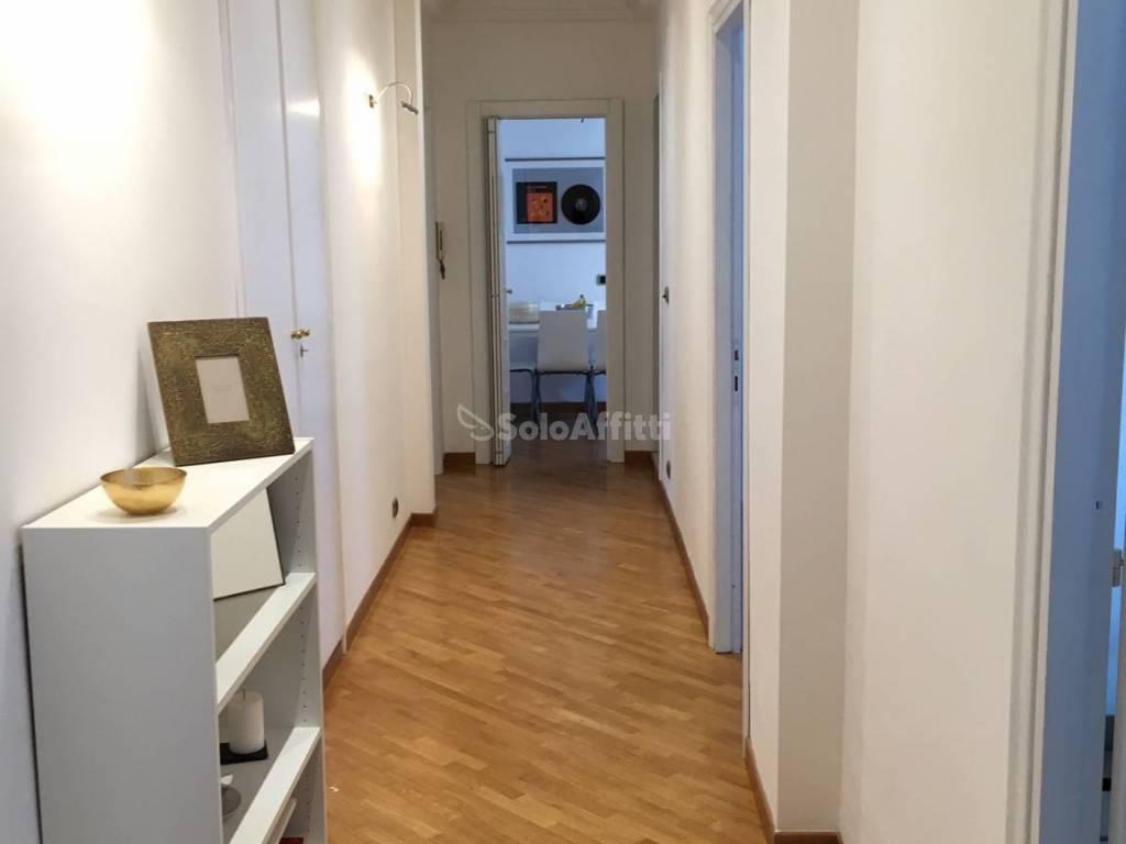 Stanza / posto letto in ottime condizioni arredato in affitto Rif. 8960086