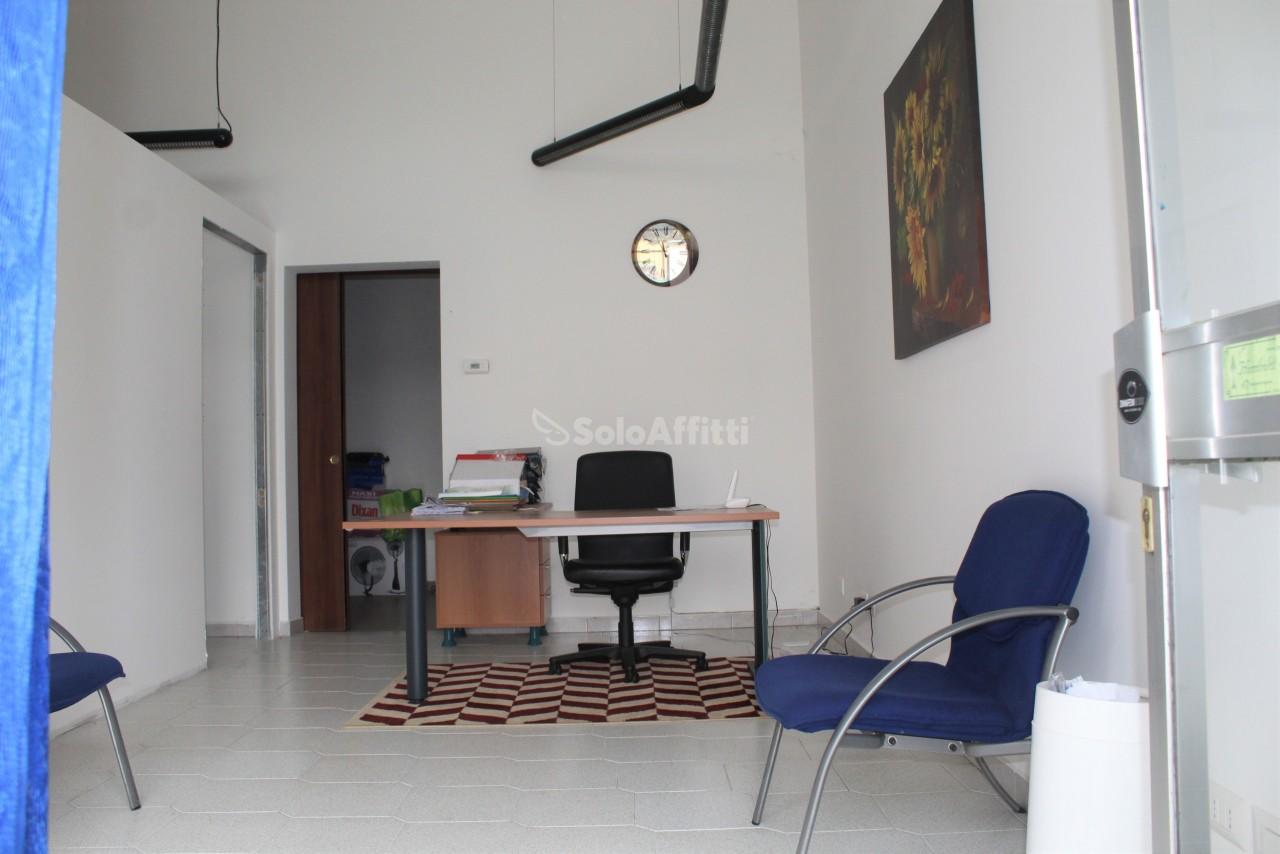 Ufficio / Studio in affitto a Busto Garolfo, 2 locali, prezzo € 500 | PortaleAgenzieImmobiliari.it