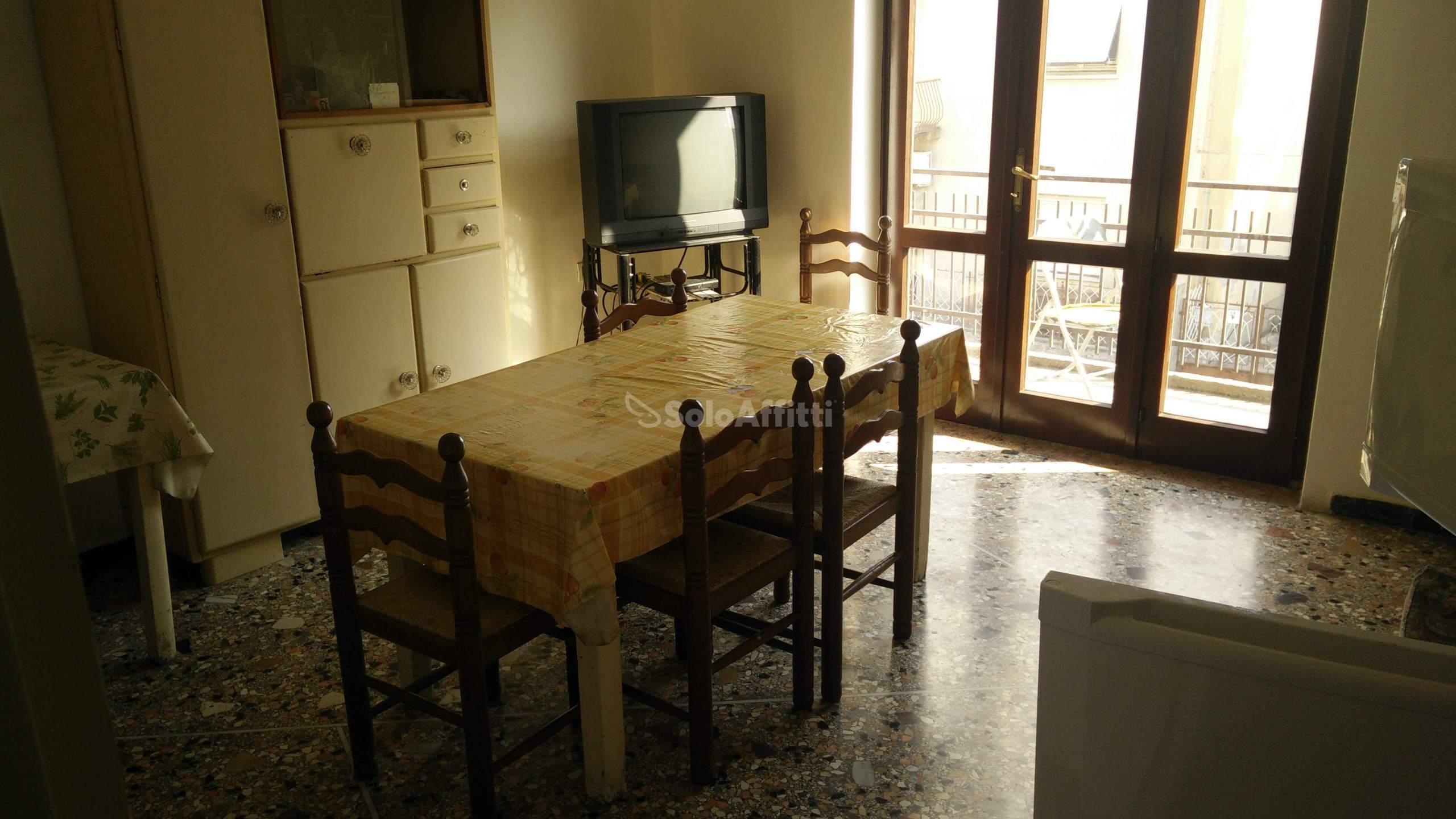 Appartamento Trilocale Arredato 5 vani 100 mq.