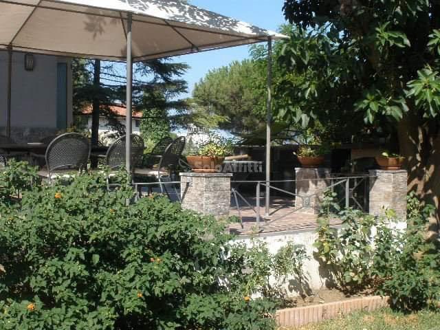 Villa Singola Arredato 8 vani