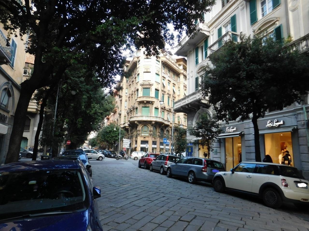 Negozio / Locale in affitto a Savona, 2 locali, prezzo € 2.900 | PortaleAgenzieImmobiliari.it