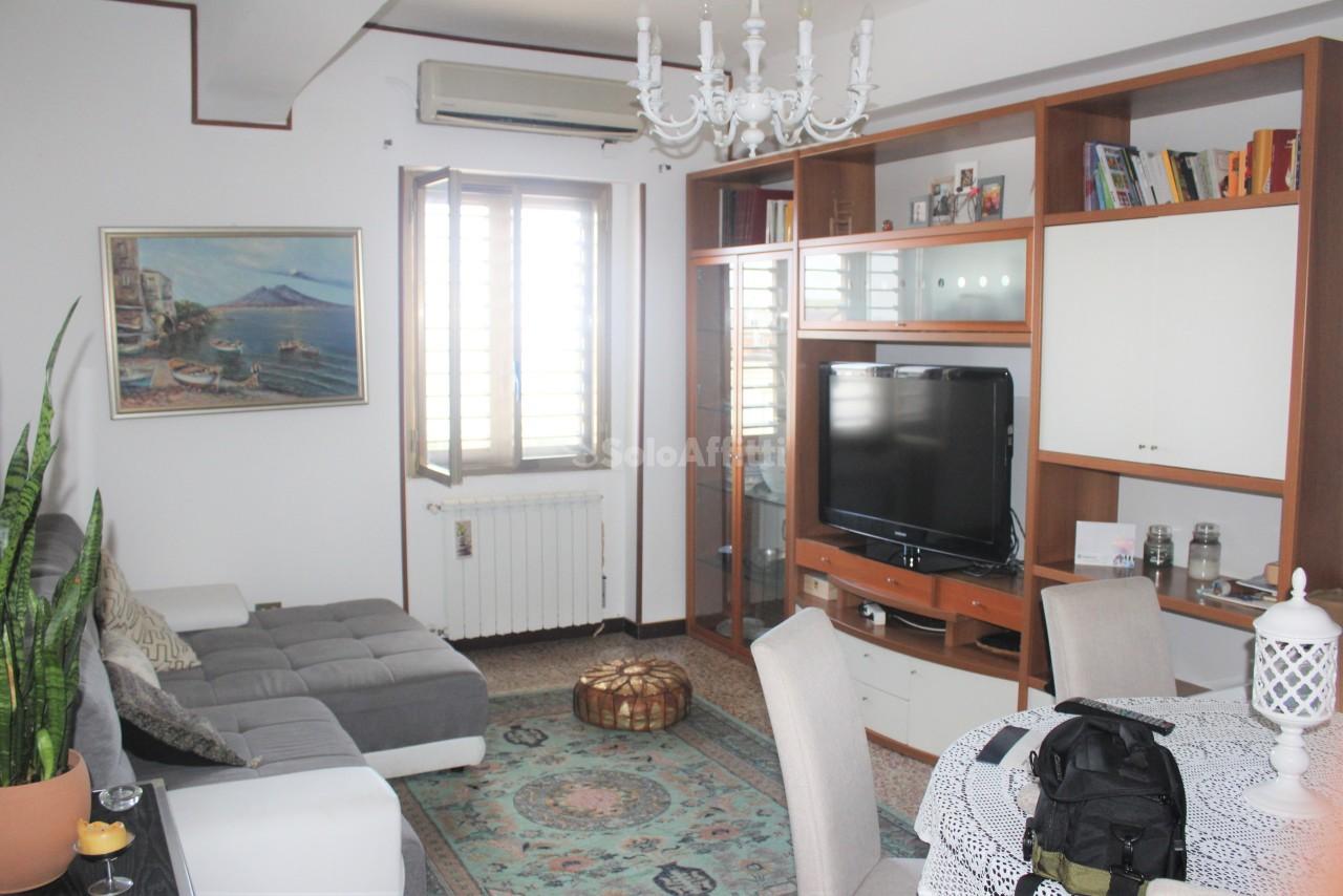 Bilocale in buone condizioni arredato in affitto Rif. 7755721