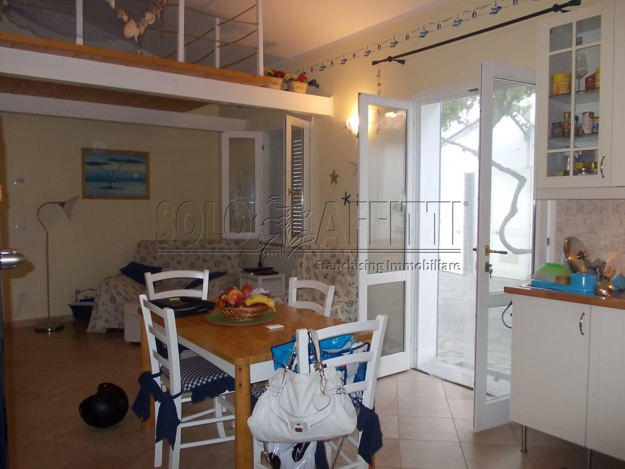 Casa Indipendente in buone condizioni arredato in affitto Rif. 10694906