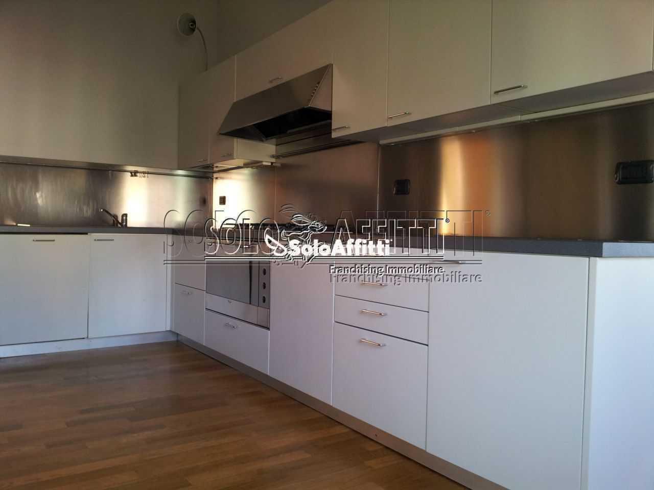 Appartamento in ottime condizioni in affitto Rif. 6237692