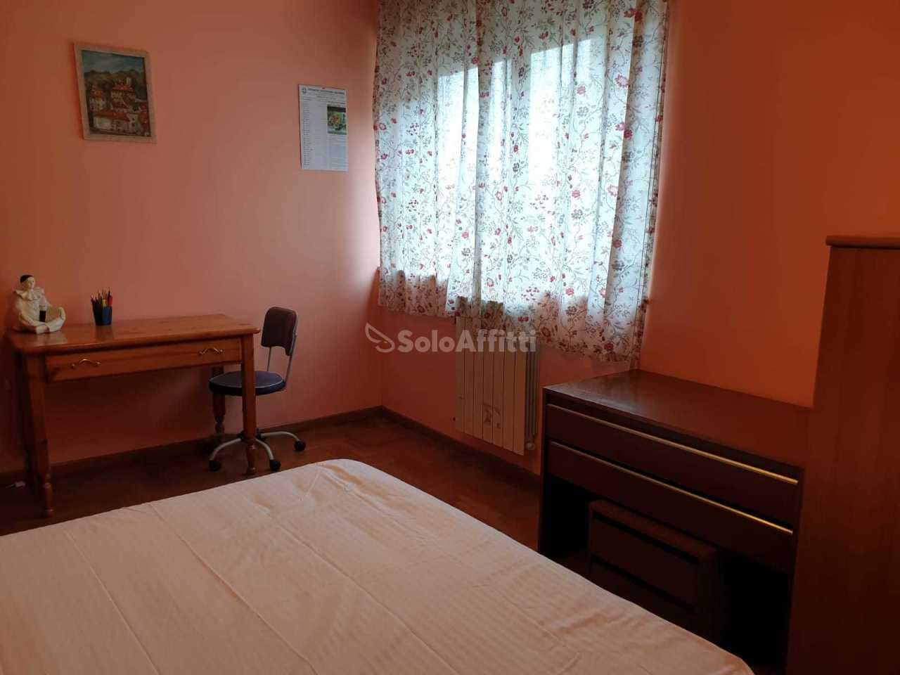 Stanza / posto letto in buone condizioni arredato in affitto Rif. 9794454
