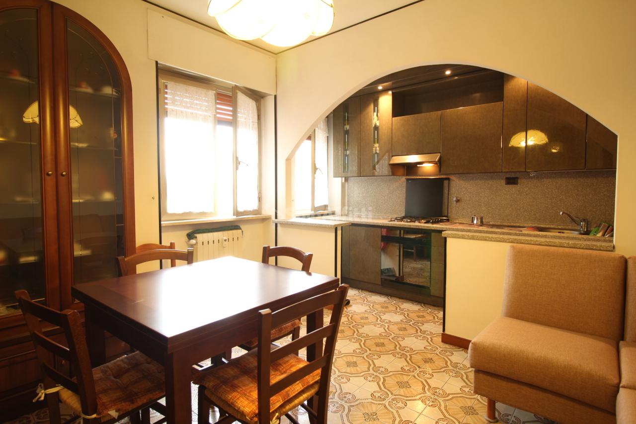 Bilocale da ristrutturare arredato in affitto Rif. 11382991