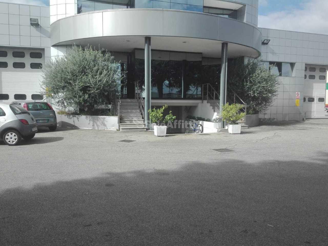 Capannone - Indipendente a Cabiate Rif. 8184421