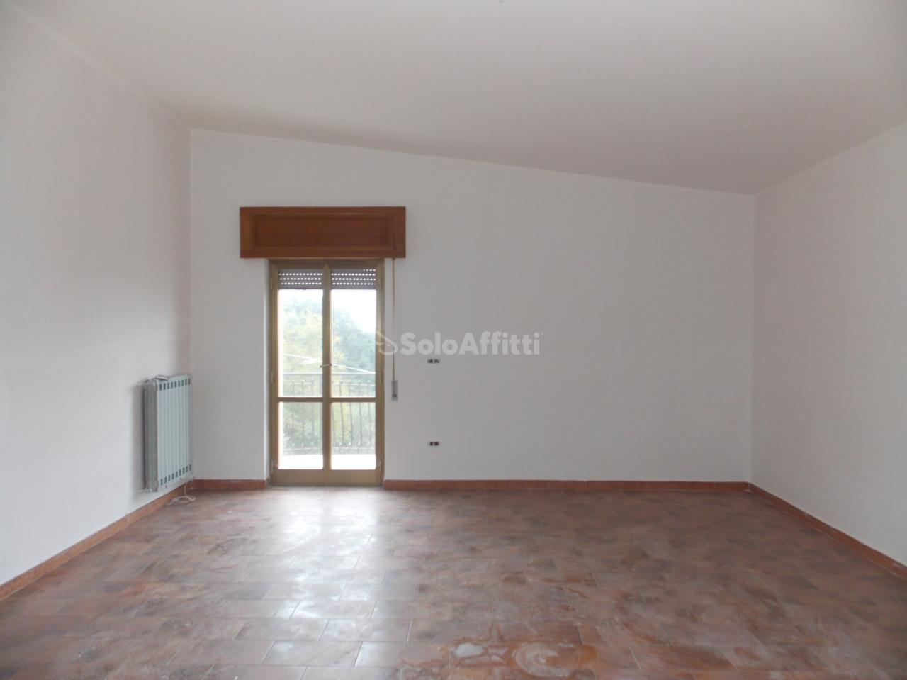 Appartamento - Quadrilocale a Piterà, Catanzaro