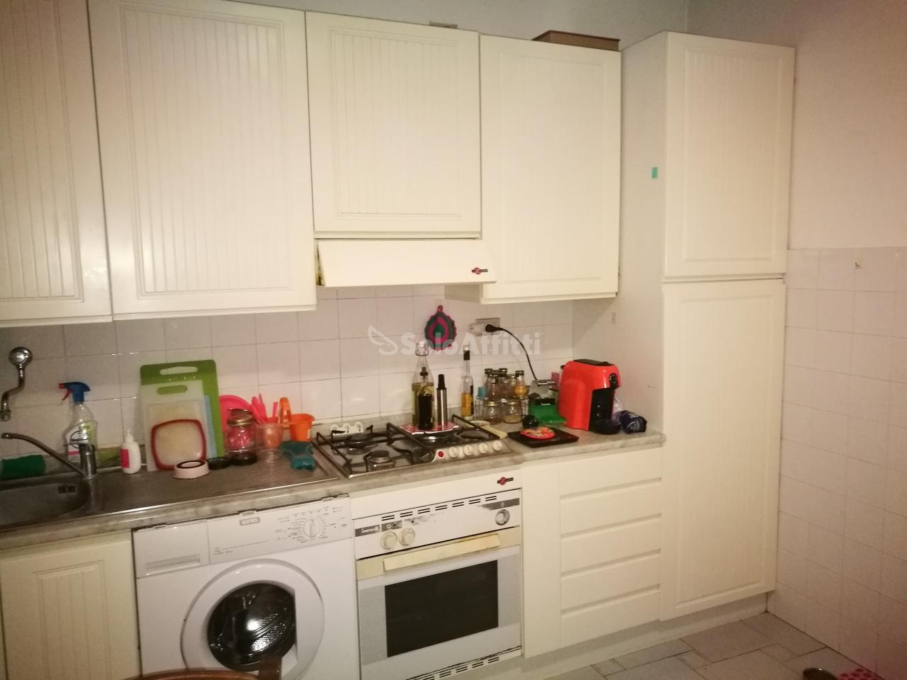 Bilocale in buone condizioni arredato in affitto Rif. 8813643