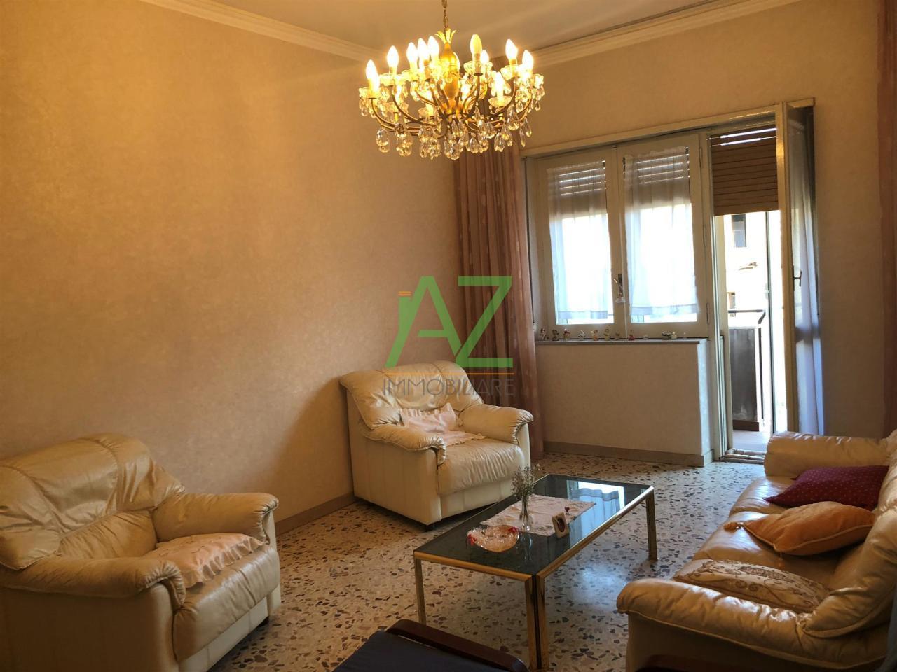Appartamento da ristrutturare in vendita Rif. 11077356