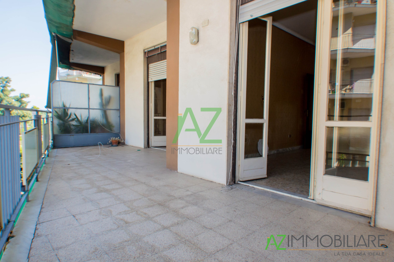 Appartamento in vendita a Acireale, 4 locali, prezzo € 90.000 | PortaleAgenzieImmobiliari.it
