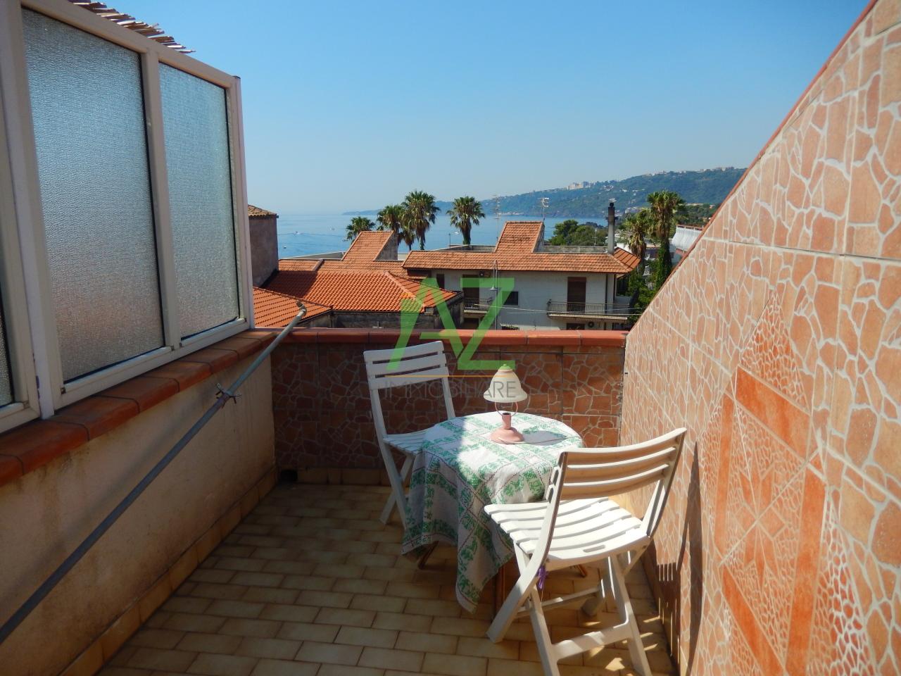 Appartamento in buone condizioni arredato in vendita Rif. 10882774