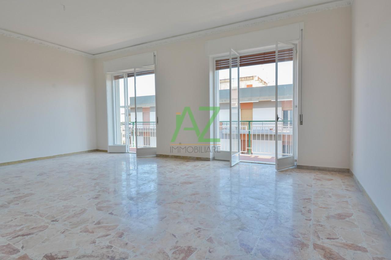 Appartamento in buone condizioni in vendita Rif. 9706952