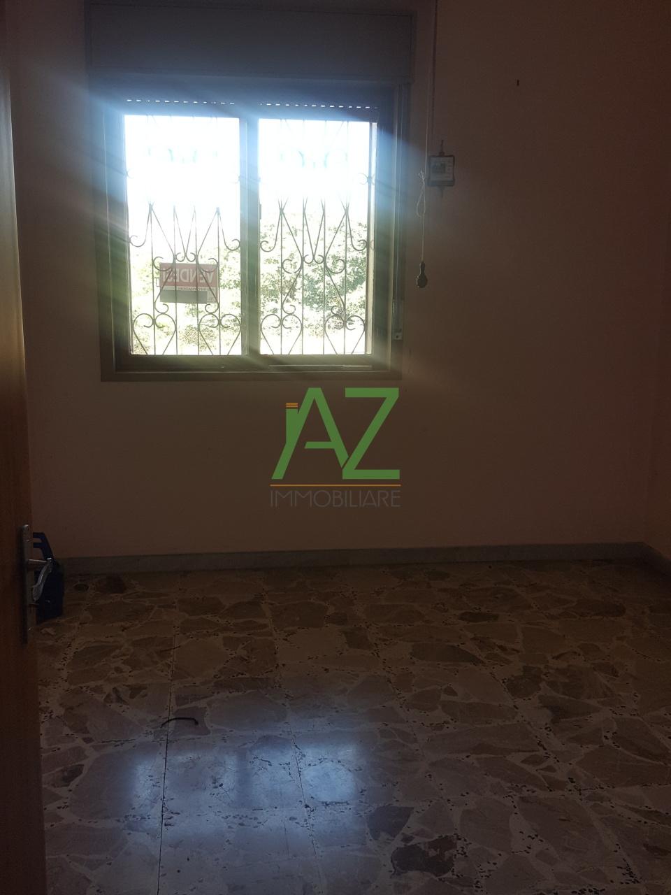Appartamento in discrete condizioni in vendita Rif. 10763778