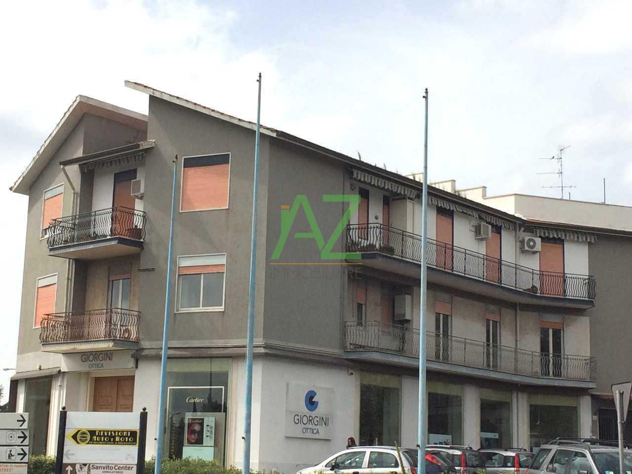 Appartamento in buone condizioni in affitto Rif. 6401631