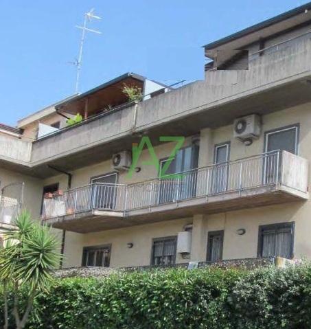 Appartamento in buone condizioni in vendita Rif. 9431369