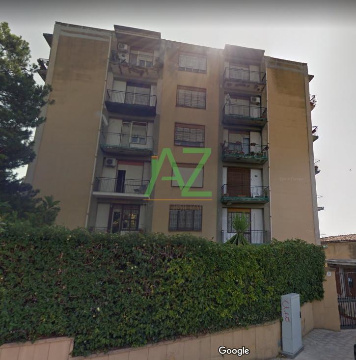 Appartamento in buone condizioni in vendita Rif. 9431371