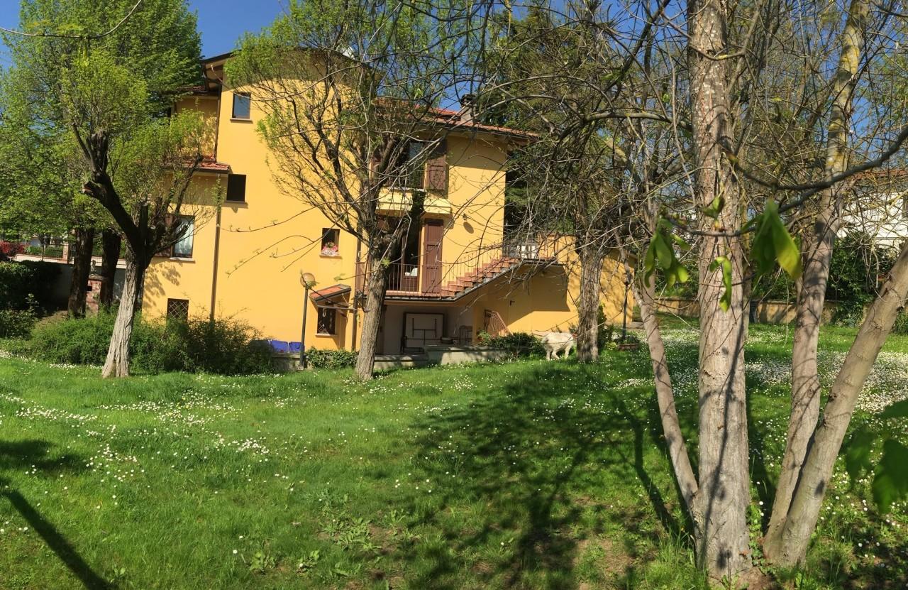 Casa Indipendente in ottime condizioni in vendita Rif. 10140128