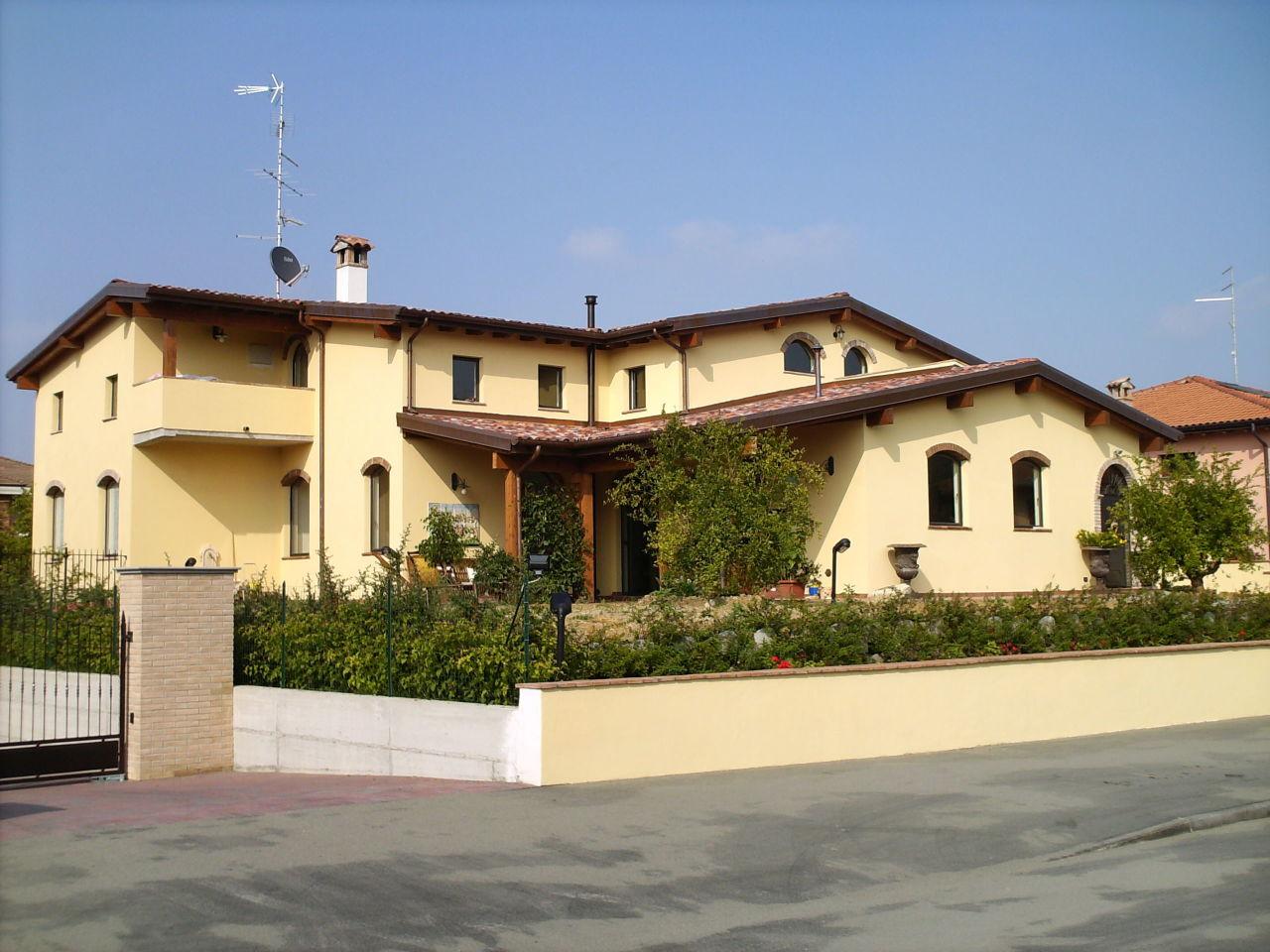Indipendente - Villa a Felino