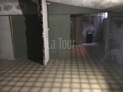Magazzino in Vendita a Aosta, 85'000€, 90 m²