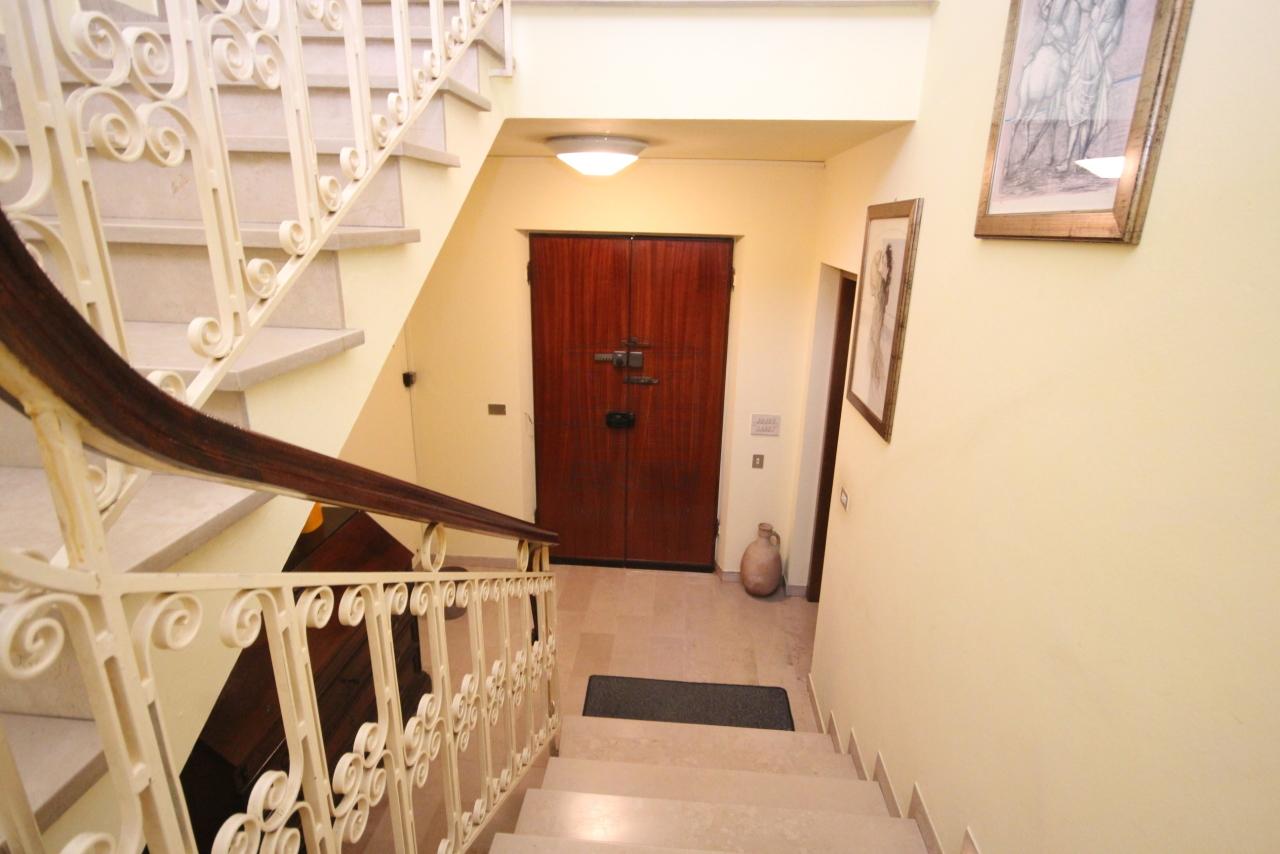 Villa divisa in due unità Capannori Lunata IA01745 img 8