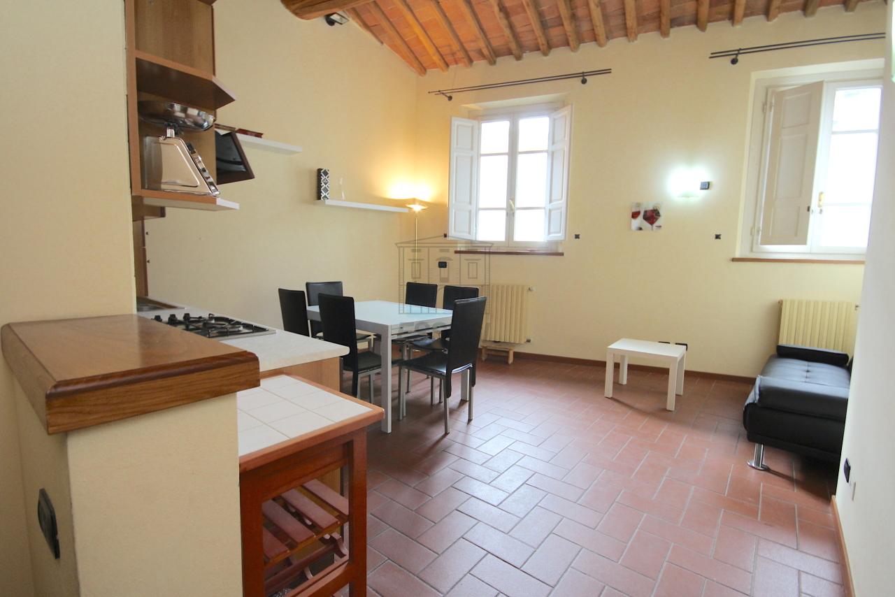 Appartamento Lucca Centro storico IA03483 img 3
