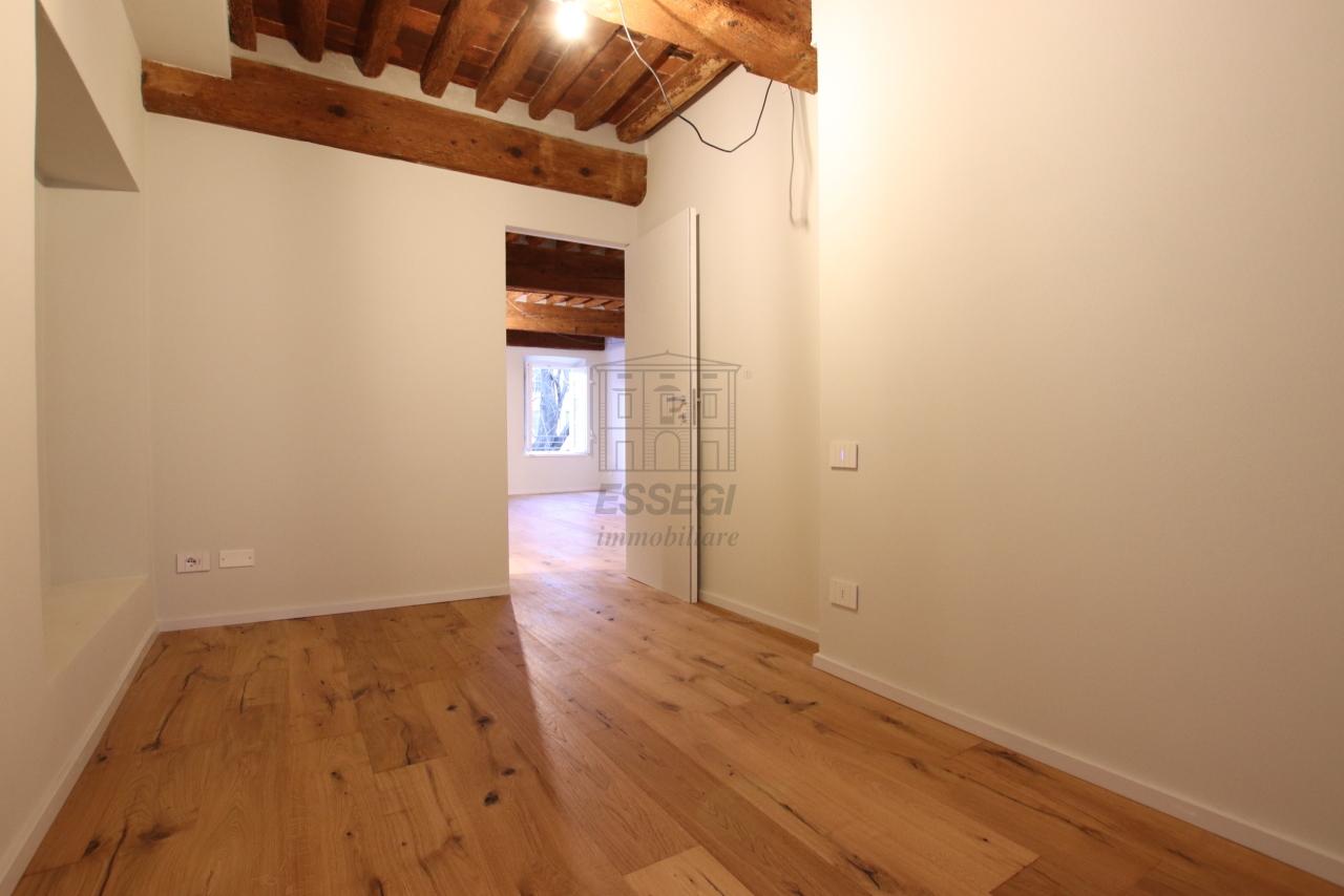 Appartamento Lucca Centro storico IA03520 img 16