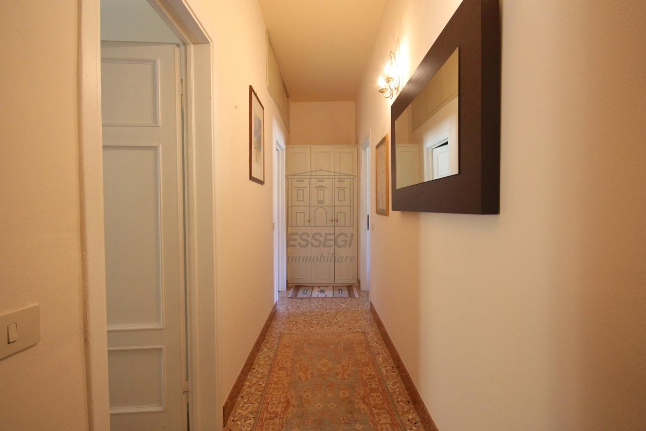 Appartamento Lucca Centro storico IA03340 img 18