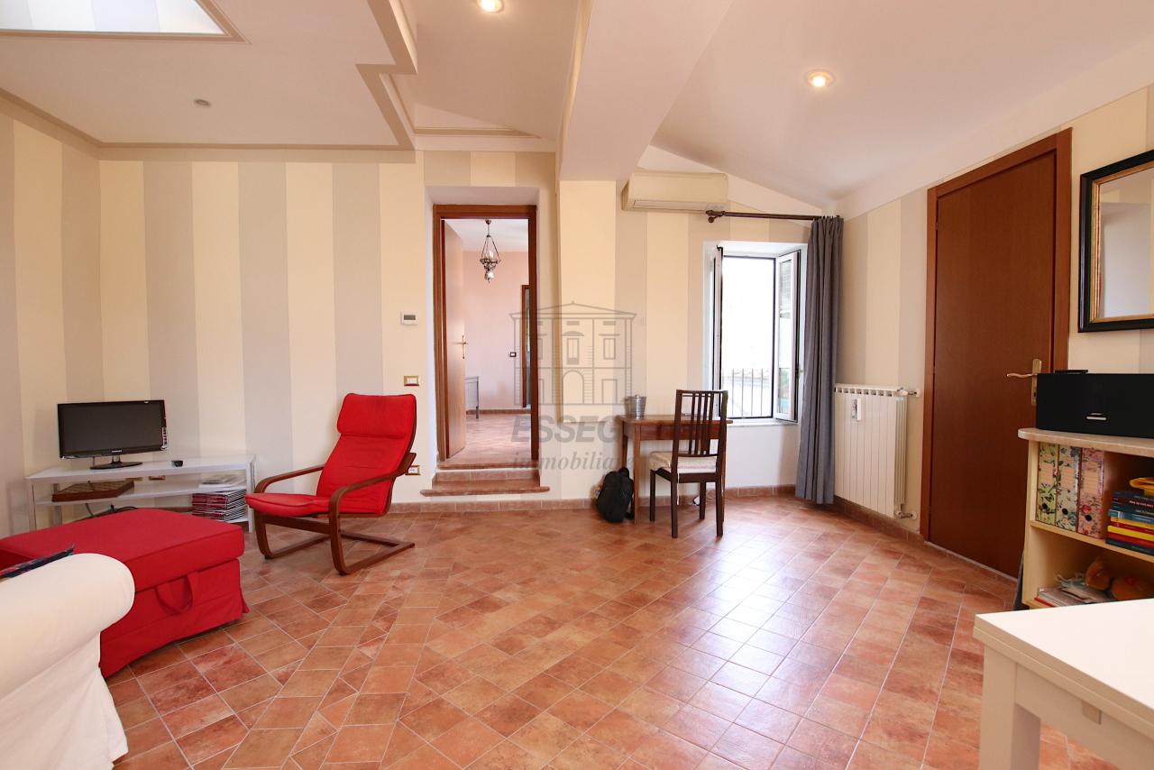 Appartamento Lucca Centro storico IA03545 img 18